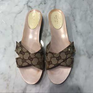Gucci sandals size 7